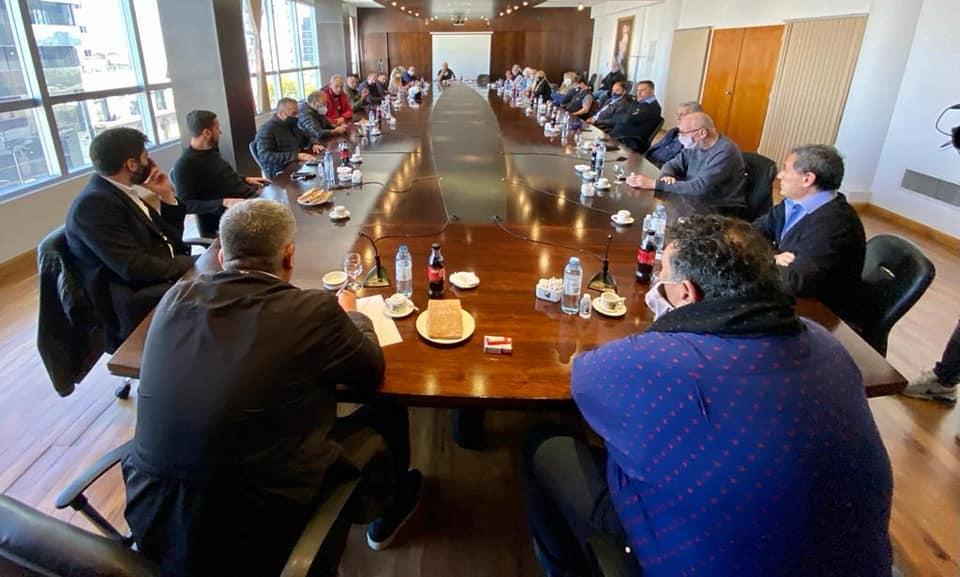 La reunión de los gremios de transporte a la que se quiso infiltrar Alejandro Poli