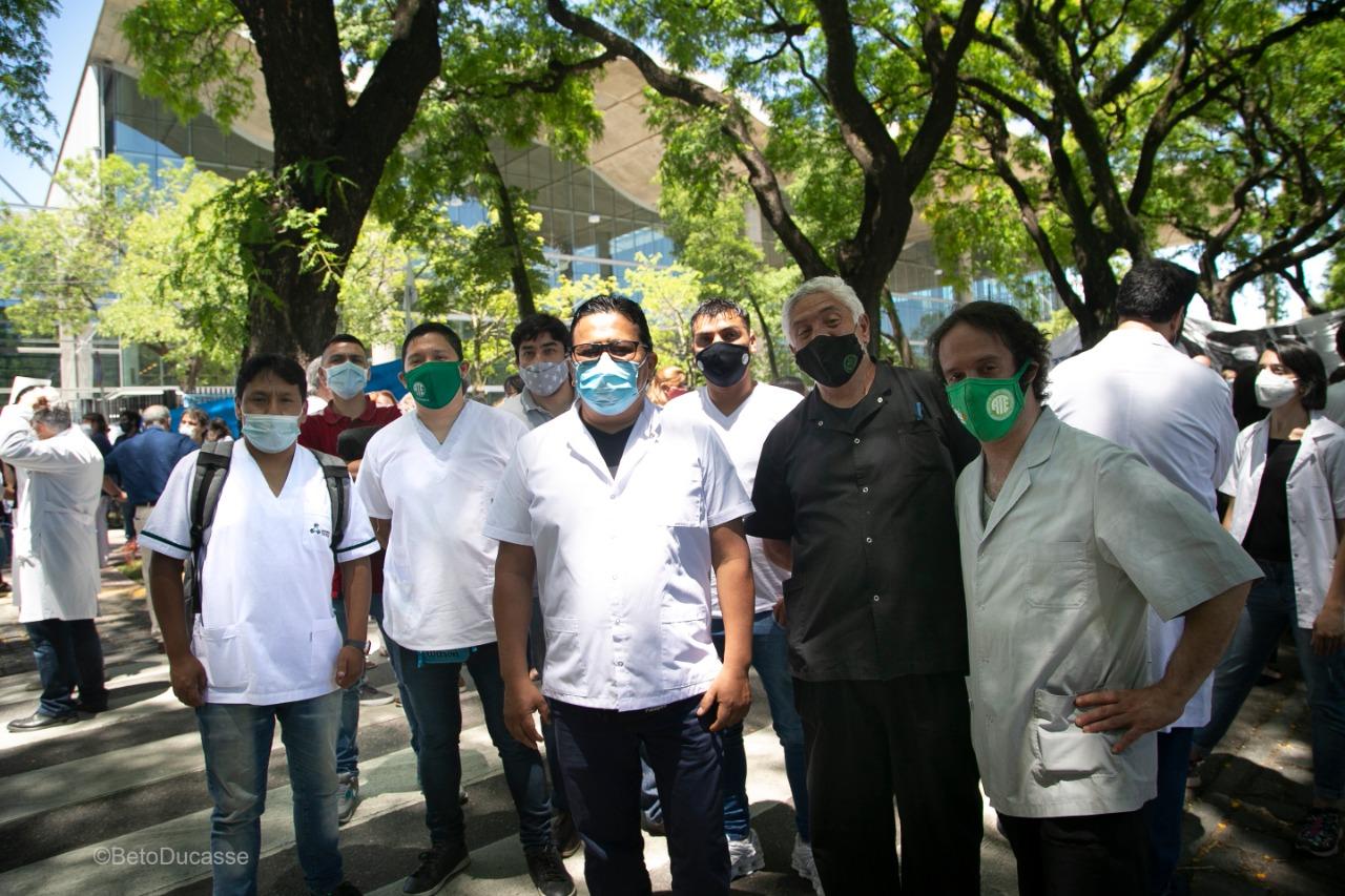 Trabajadores y delegados gremiales de los hospitales públicos porteños, nucleados en ATE
