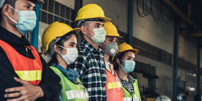 Empleadores podrán exigir la presencialidad de trabajadores vacunados contra el Covid-19