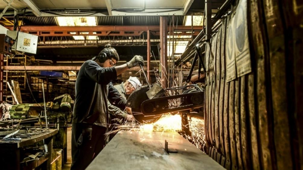 El dato sobre el aumento de empleo registrado surge de la Encuesta de Indicadores Laborales (EIL)