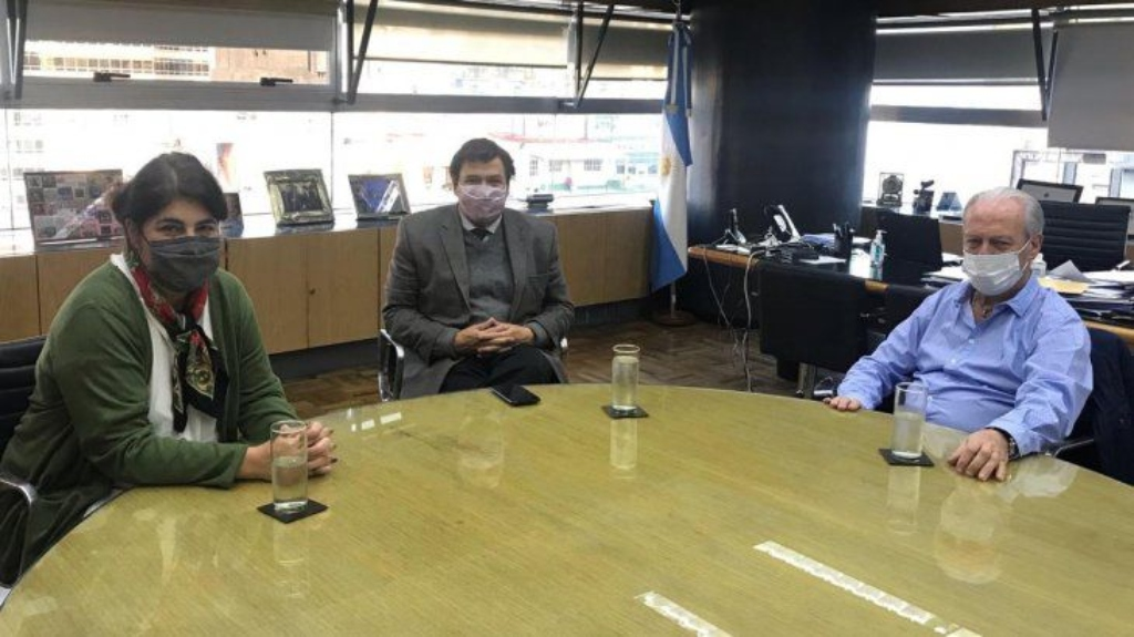 el-secretario-upcn-andres-rodriguez-junto-al-ministro-trabajo-claudio-moroni-y-la-secretaria-gestion-y-empleo-publico-ana-castellani (1)